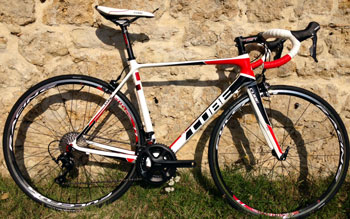 cycle, cycles et nature : magasin de vente et de reparation de velo a bordeaux, Agree GTC Pro White n black red 2015