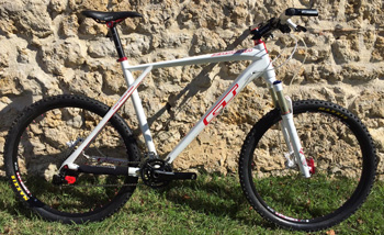 cycles et nature : magasin de vente et de reparation de velo a bordeaux, GT Zascar carbone White 26'' 2012 occasion